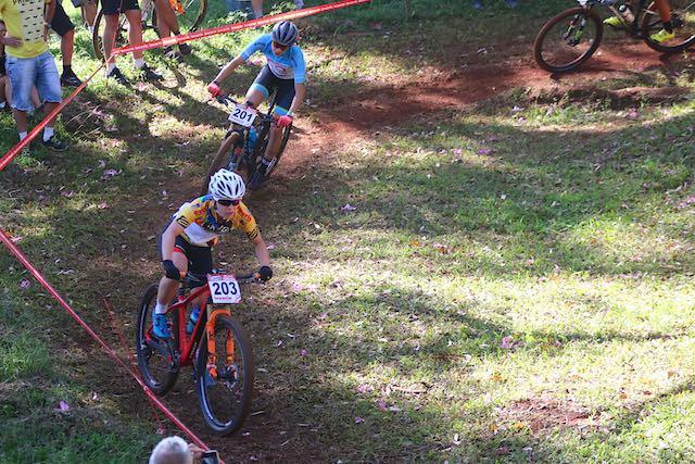 Cloe e Raiza disputaram até o final / Márcio de Miranda - Planeta da Bike