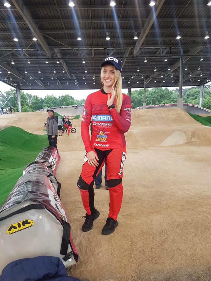 Priscilla Stevaux não consegue passar das oitavas-de-finais na 5ª rodada da Copa do Mundo de BMX Sup