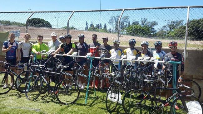 campo de treinamento em Durban, África do Sul / Andrew Warr