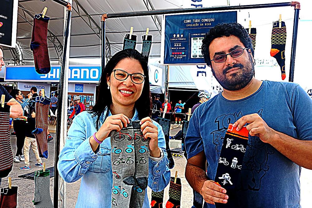 Ariadne Sakamoto e Bruno Doro com as neias / Márcio de Miranda - Planeta da Bike