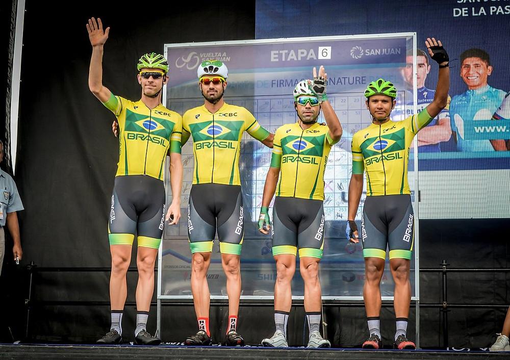 Seleção Brasileira antes da sexta etapa / Adrian Fotos/CBC