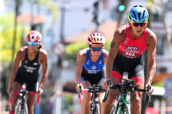 Luísa Baptista lidera pelotão no ciclismo (Fernanda Paradizo / Norte MKT)