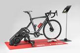 Coronavírus: treinar em casa ajuda a manter a forma, pedalar no rolo fortalece a musculatura e melho