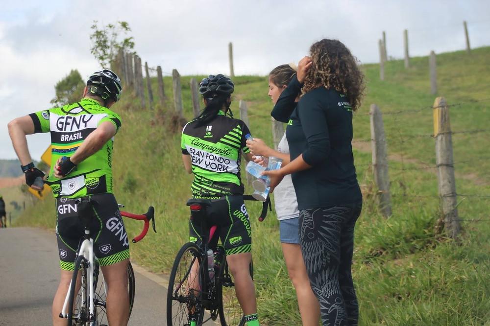 Hidratação no Group Ride de Videiras / Márcio de Miranda - Planeta da Bike