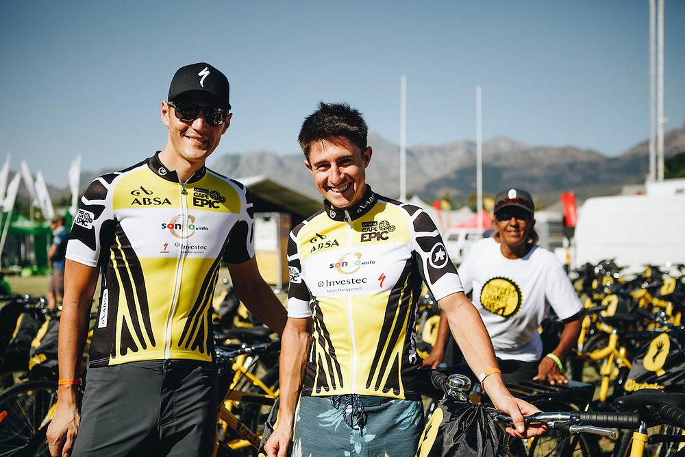 Kulhavy e Howard durante a Cape Epic deste ano / Divulgação
