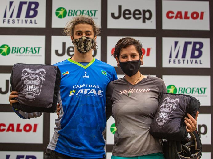 Maurício Cirne e Luana Oliveira vencem prova do Downhill no MTB Festival