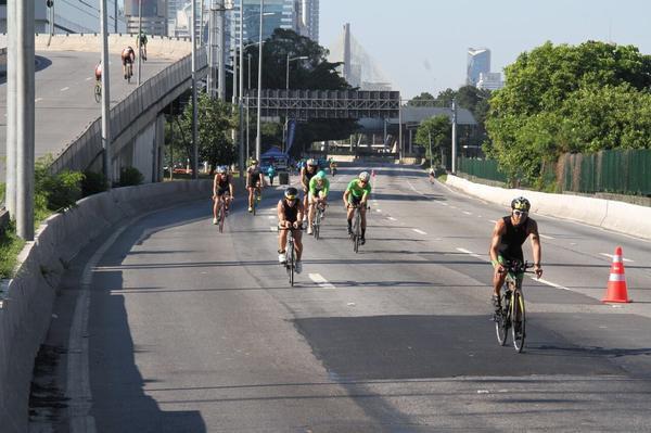 Triatletas fazendo força na etapa de São Paulo (Fábio Falconi / Unlimited Sports)