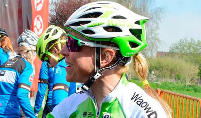 Flavia Oliveira participa da Amstel Gold Race no domingo de Páscoa