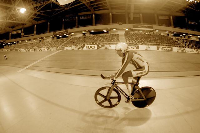 Atleta durante o primeiro treino livre / Márcio de Miranda - Planeta da Bike