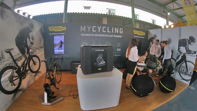Stand da Technogym com Mycycling / Márcio de Miranda
