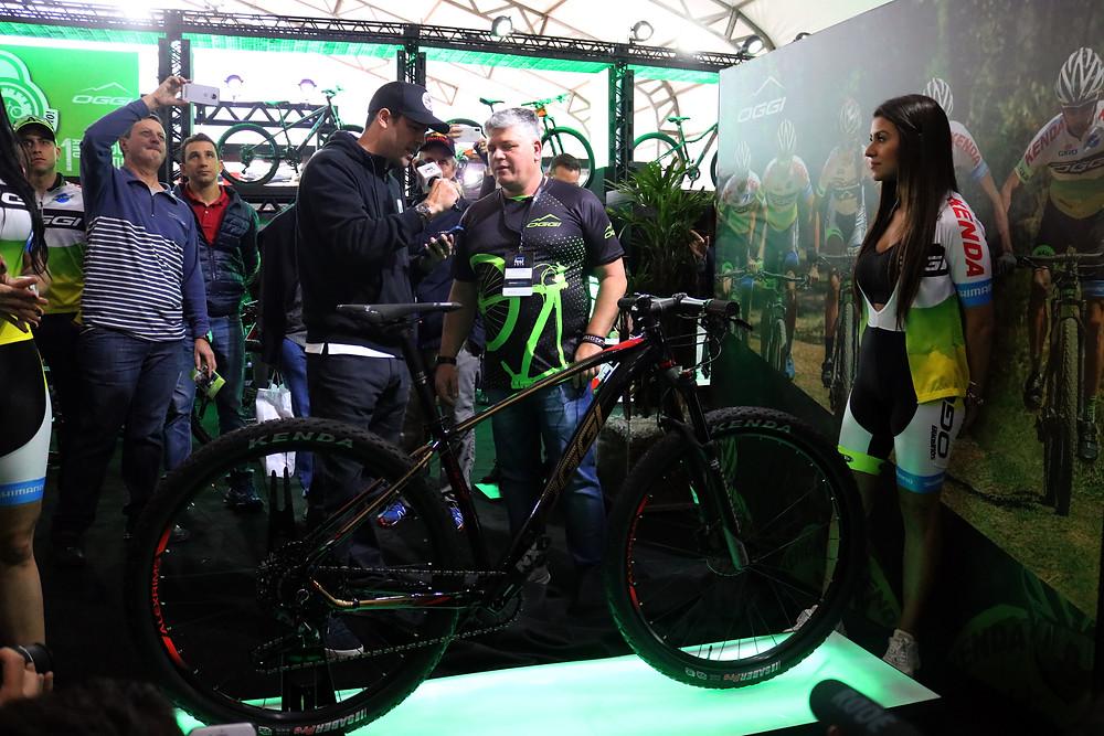 Oggi fazendo lançamento no Shimano Fest / Márcio de Miranda - Planeta da Bike