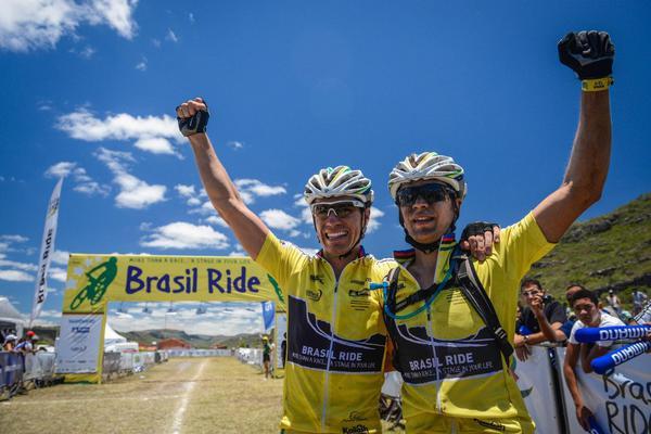 Henrique Avancini e Sherman Trezza em 2013 (Alexandre Cappi / Brasil Ride)