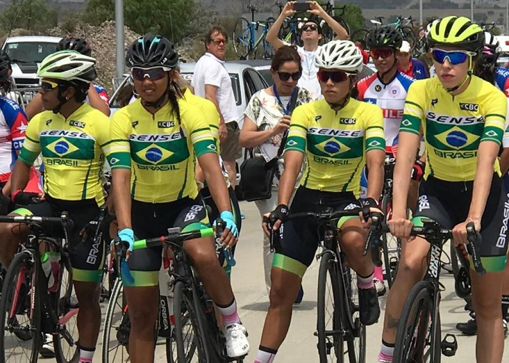 Seleção feminina no México / Divulgação