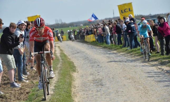 A dificuldade de pedalar no paralelepípedo | PresseSports / B.Papon
