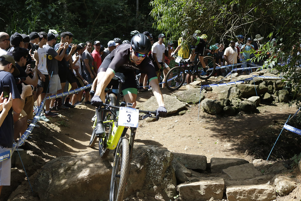Guilherme puxando a fila na CIMTB / Márcio de Miranda - Planeta da Bike
