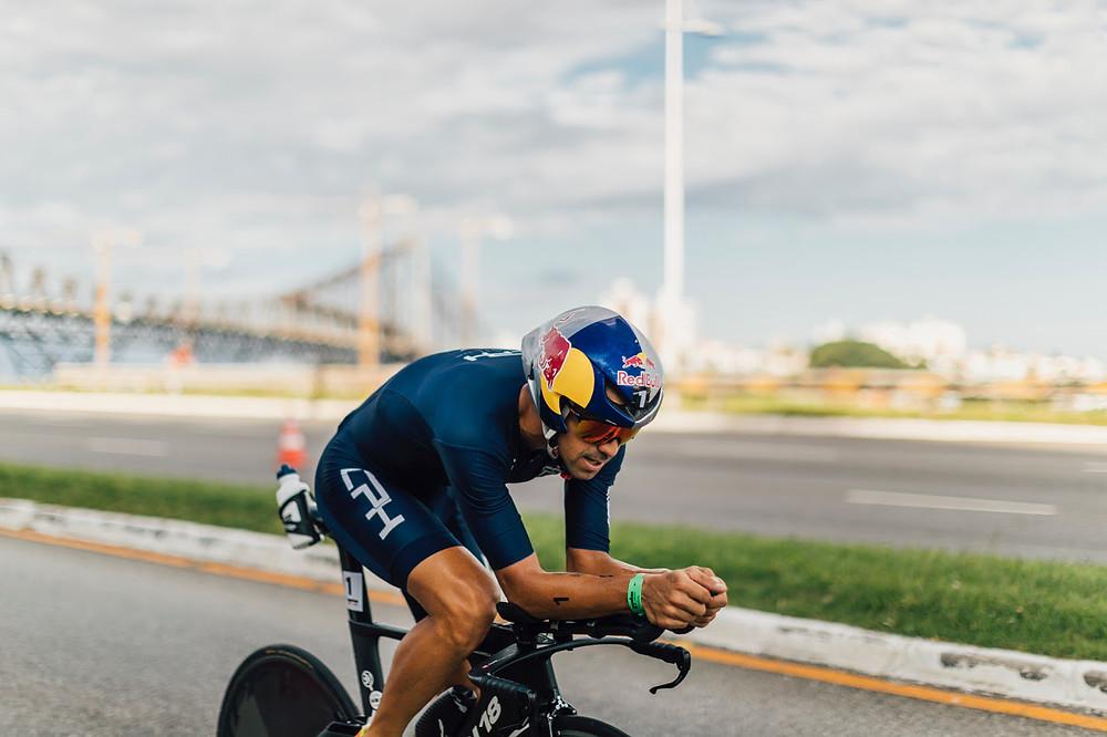 Igor fazendo força no pedal / Divulgação