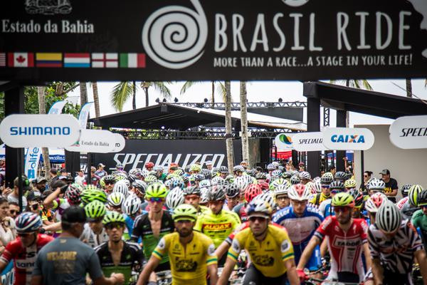 Atletas prontos para largar (Fabio Piva / Brasil Ride)