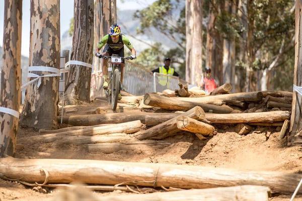 Henrique Avancini pedala em Stellenbosch / Divulgação