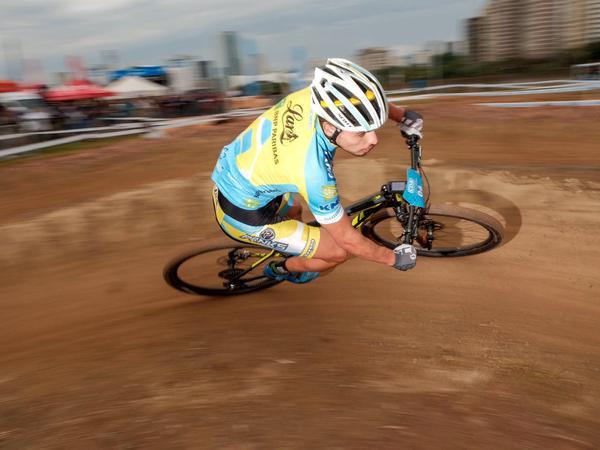 Luiz Cocuzzi no Short Track em 2016 /  Fernando Siqueira - FS Fotografia