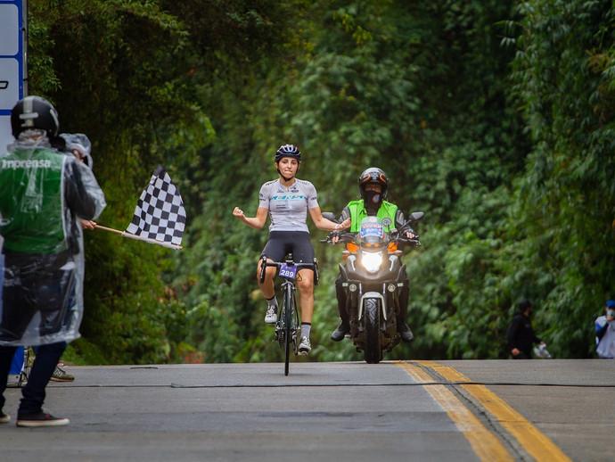 Circuito Grangiro: Giuliana Morgen vence outra vez, só que no ciclismo de estrada
