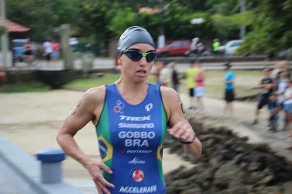 Sabrina Gobbo em Ilhabela (Divulgação)