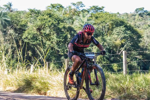 Sofia Subtil lidera na elite feminina  (Wladimir Togumi / Brasil Ride)