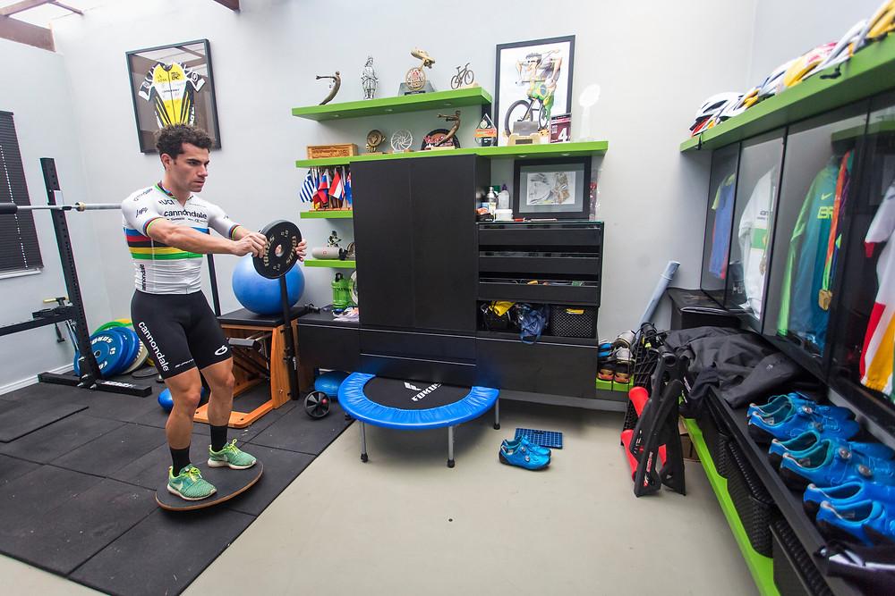 Avancini treinando em casa / Fabio Piva - Red Bull Content Pool.jpg