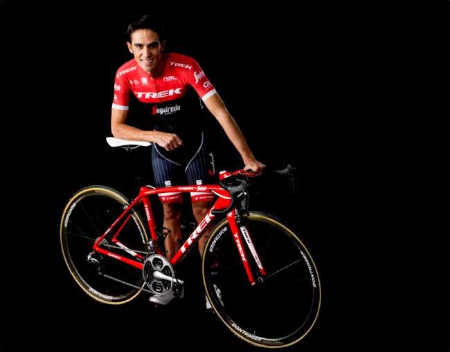 Alberto Contador e sua bike / Divulgação Trek