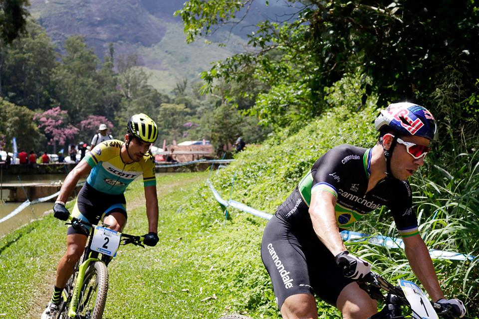 Cocuzzi e Avancini disputaram até o fim / Márcio de Miranda - Planeta da Bike