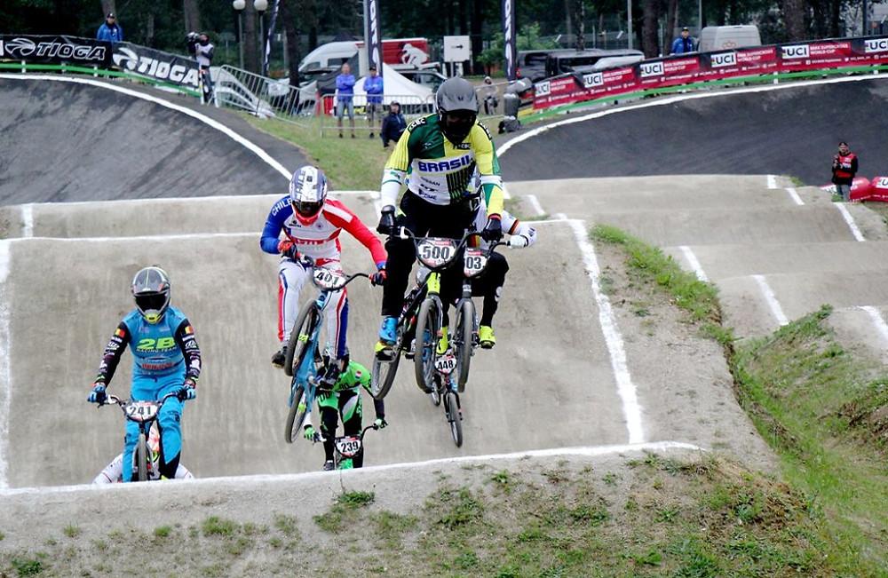 Renato Rezende liderando / Dutch BMX Race