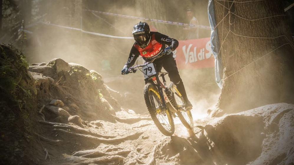 Lucas no Campeonato Mundial de Downhill 2016 - Val di Sole - Itália / Reprodução Facebook
