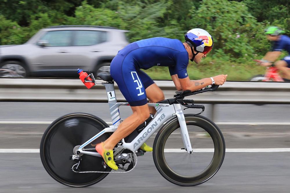 Igor Amorelli em ação no ciclismo - Foto: Fabio Falconi/Unlimited Sports