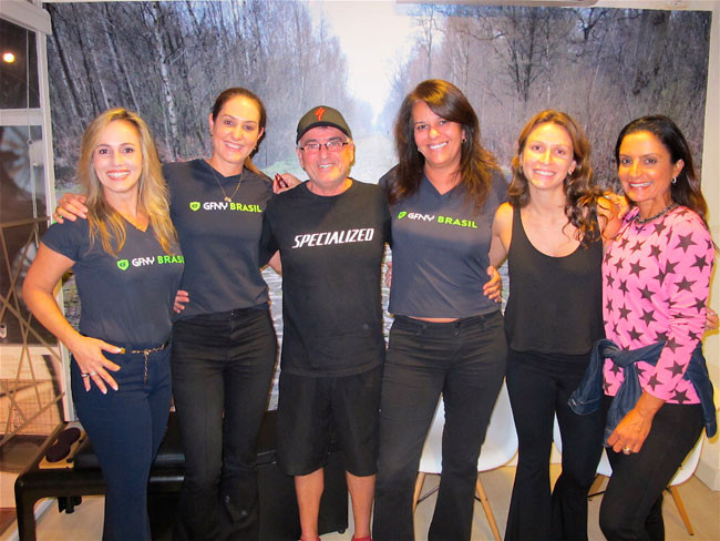 Esquerda para direita: Ana Paula Cavalcanti, Fernanda Venturini, Walter Tuche, Luisa Juca, Marina Richwin e Fernanda Keller