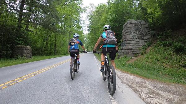 Em temporada nos EUA, Viviane Favery disputa a Haute Route Asheville na Carolina do Norte