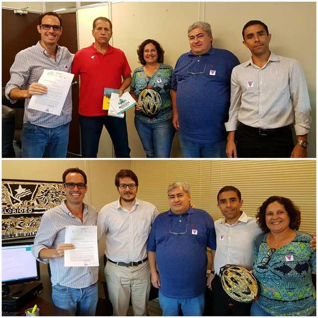 Membros da CSC-RJ entregando o pedido de nova APCC na Prefeitura