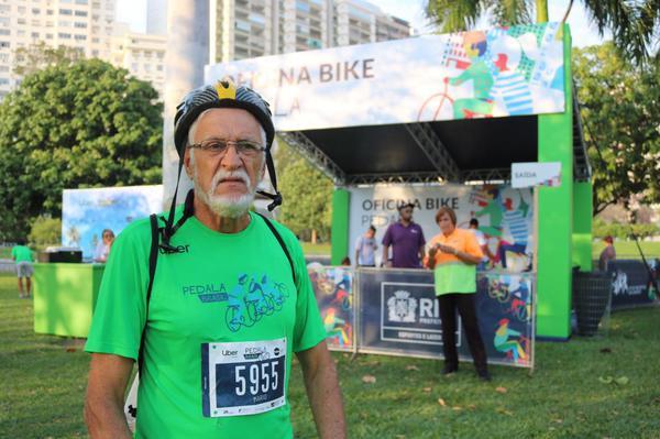 Mario, de bike na semana e nos finais de semana também  (Márcio Miranda / Divulgação)