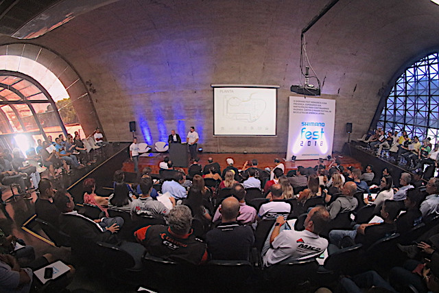 Auditório lotado durante a apresentação / Márcio de Miranda - Planeta da Bike