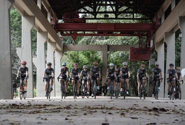 Meninas prontas para o pedal / Gazela Fotos