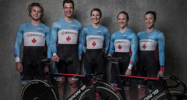 Atletas canadenses e suas novas bikes / Bojan Uzicanin