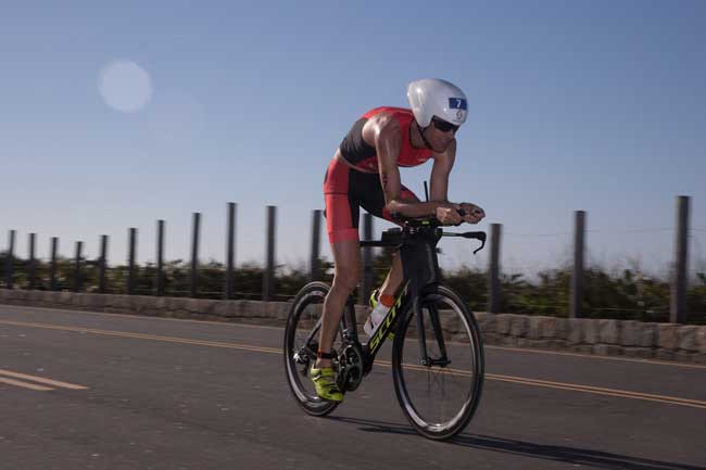 Reinaldo Colucci na etapa de ciclismo da da 4ª Etapa do Circuito UFF Rio Triathlon / Miriam Jeske - Divulgação
