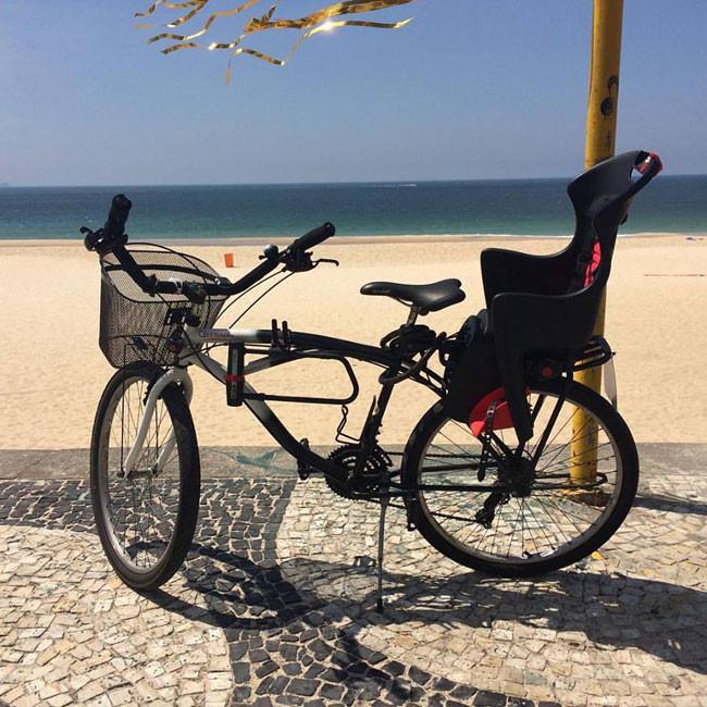 Bike parada na orla de São Conrado / Márcio de Miranda