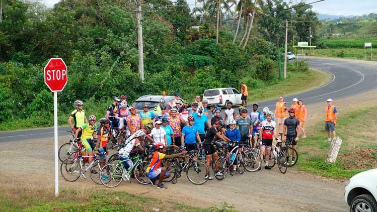 Início de 2016 Tour de Fiji / Oliver Sinclair