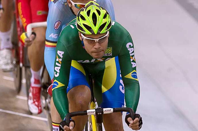 Brasileiro fica no top 10 e conquista resultado histórico na Copa do Mundo de Ciclismo de Pista