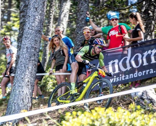 Avancini durante o XCO em Andorra (Michele Mondini / Divulgação)