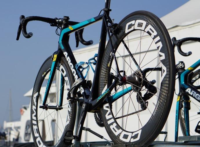 Astana Proteam renova parceira com fabricante de rodas