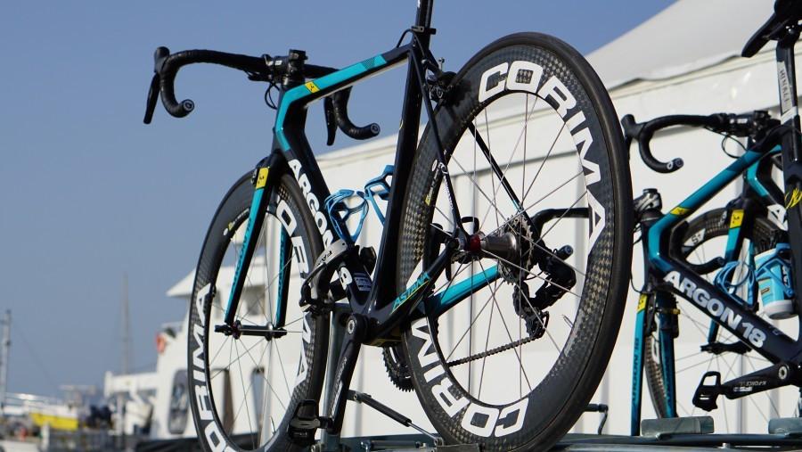 Bike da Astana equipada com rodas Corima | Divulgação Astana