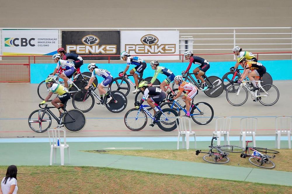 Velódromo de Indaiatuba / Luis Claudio Antunes - CBC