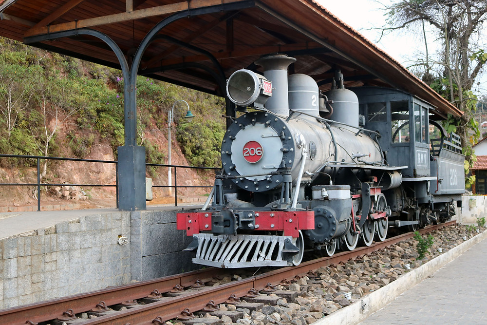 Locomotiva símbolo da cidade / Márcio de Miranda - Planeta da Bike