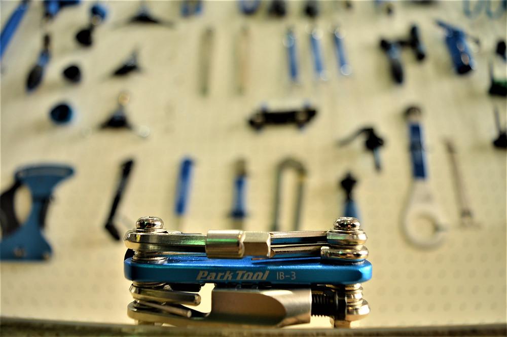Canivete Park Tool 15 funções / Divulgação
