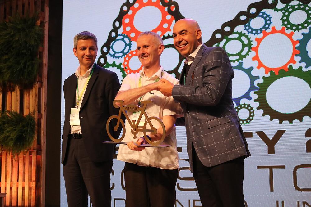 Rio entregando a bike para Dublin / Márcio de Miranda - Planeta da Bike
